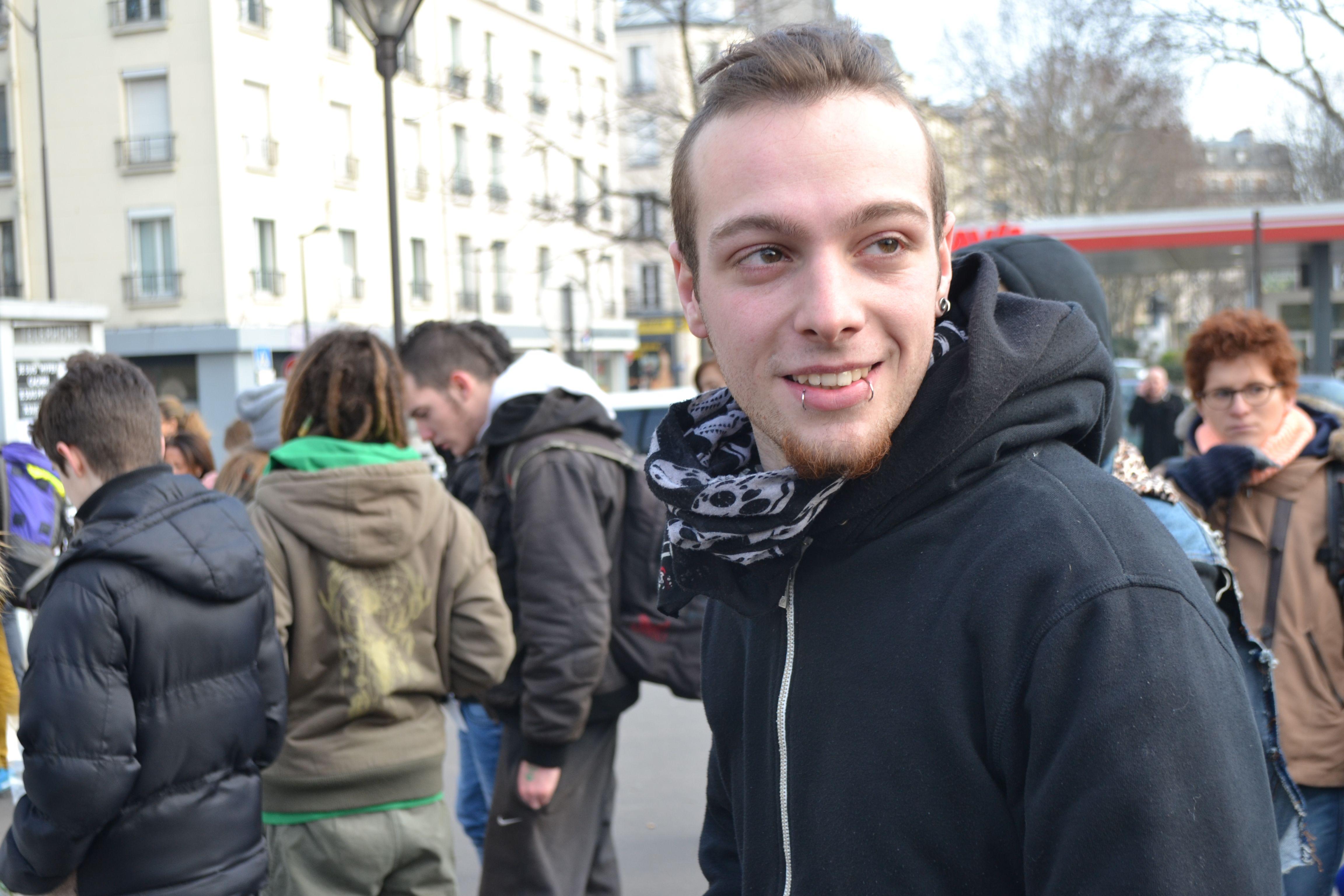 """Anthony, alias """"Punky"""" 19 ans, aime le concept de la marche."""