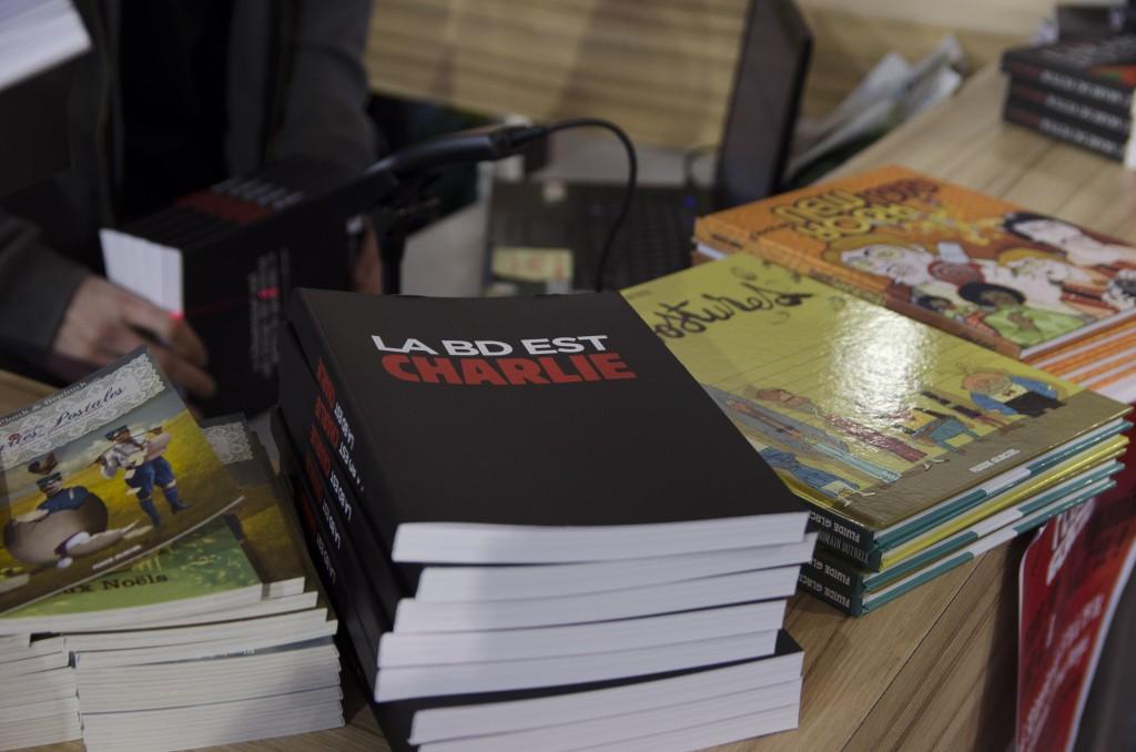 Le livre hommage à Charlie Hebdo (Florian Maussion / 3millions7.com)