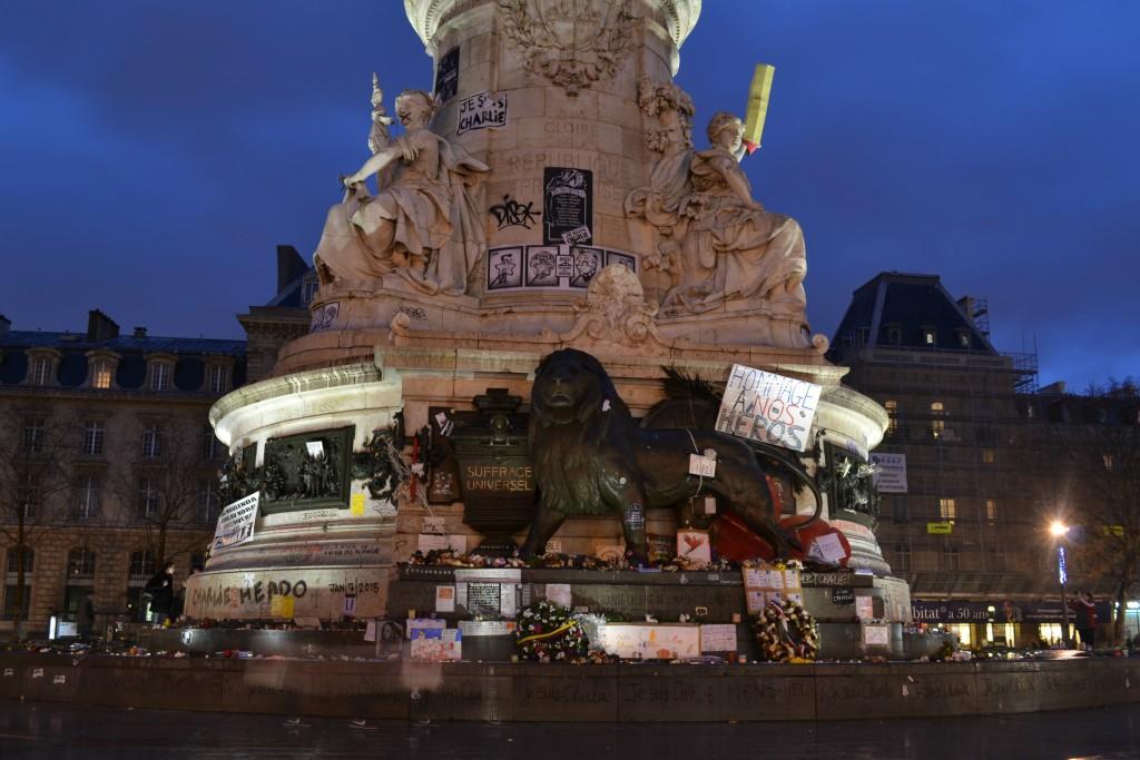 Trois semaines après l'attentat de Charlie Hebdo, la place de la République est quasiment vide (Photo : 3 millions7/P.Robert)