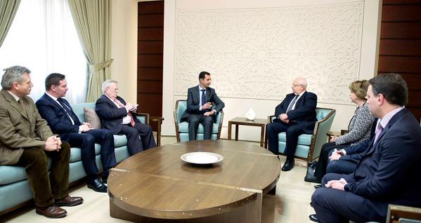 Trois parlementaires français ont rencontré Bachar Al-Assad le 25 février. Gérard Bapt n'était pas présent. (Photo du site officiel de la présidence syrienne.)