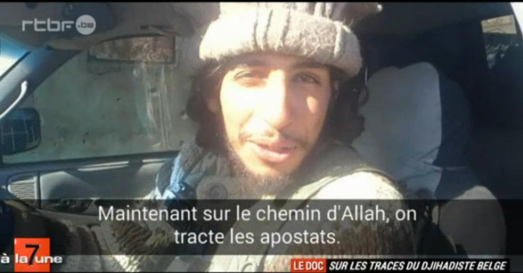 Le contenu du téléphone portable d'Abdelhamid Abaaoud retrouvé en Syrie. Capture d'écran du reportage de 7 à la Une .