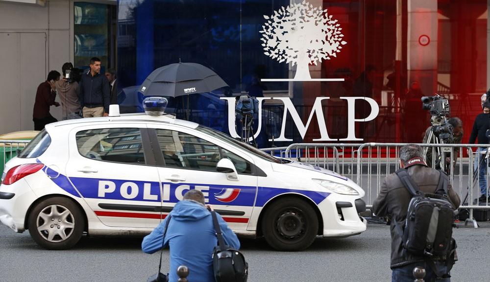 voiture-de-police-devant-le-siege-de-l-UMP