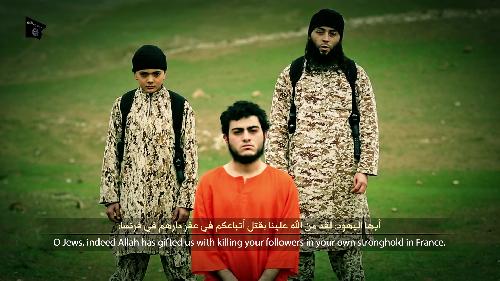 Sabri Essid, le demi-frère de Mohamed Merah, apparaîtrait sur la dernière vidéo de propagande du groupe Etat islamique. (Capture d'écran / vidéo de propagande)