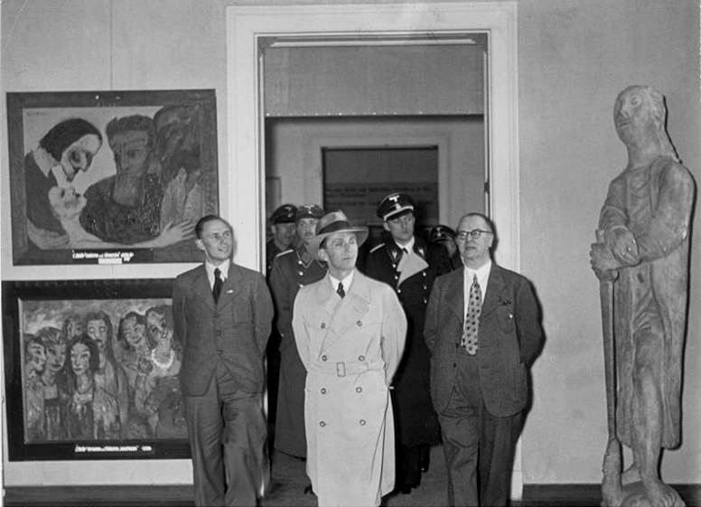 Ausstellung_entartete_kunst_1937