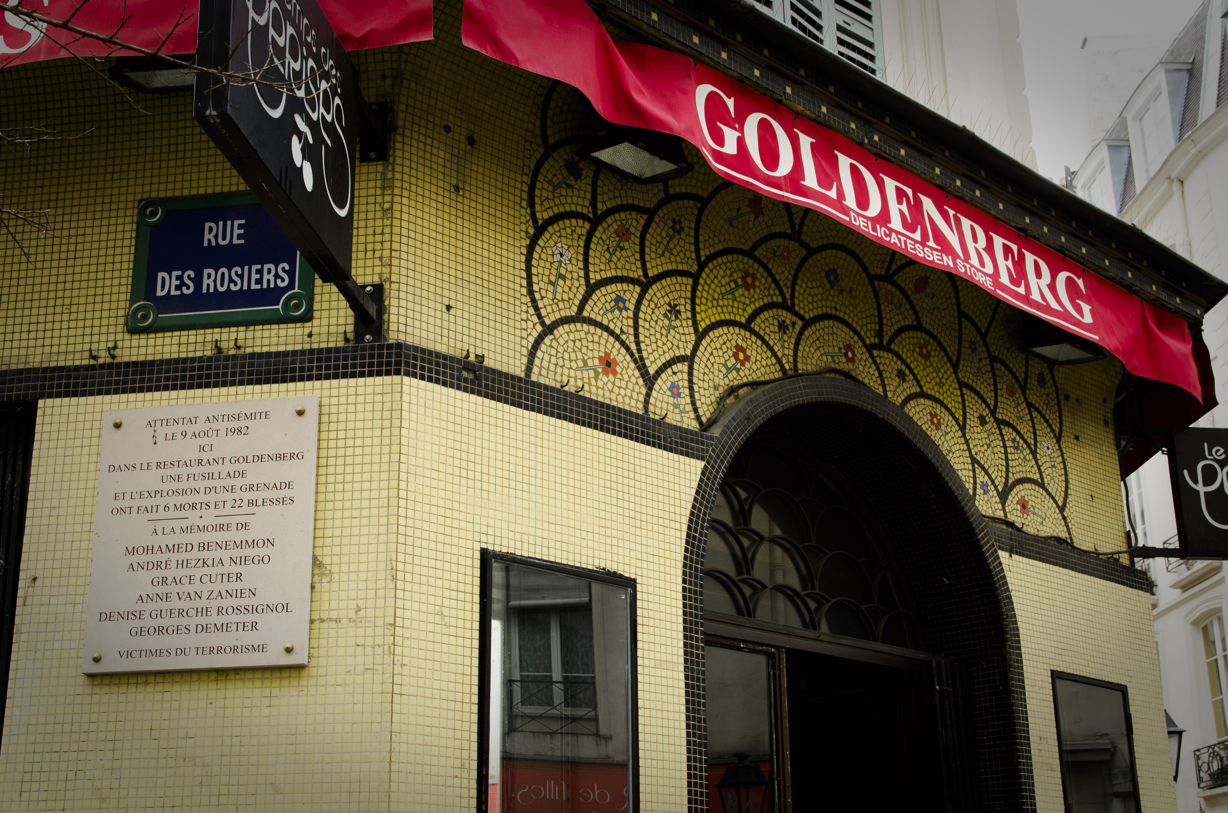 La devanture de l'ancien restaurant Jo Goldenberg de la rue des Rosiers en 2015 (Florian Maussion / 3millions7)