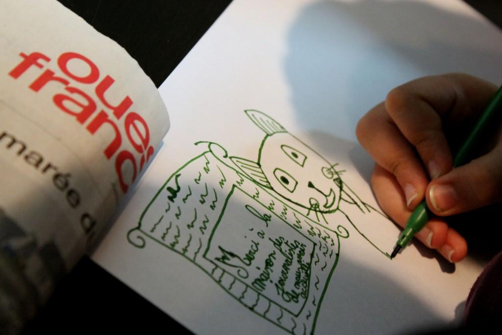 Tous les enfants remercient la Maison des journalistes en dessin. (Vanina Delmas / 3millions7)