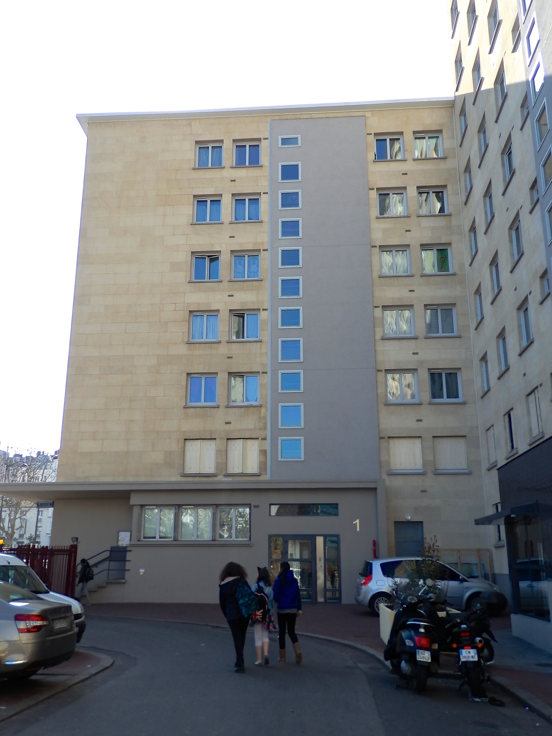 Vue  de l'arrière de l'immeuble de l'Hyper cacher, 1 rue du Commandant l'Herminier