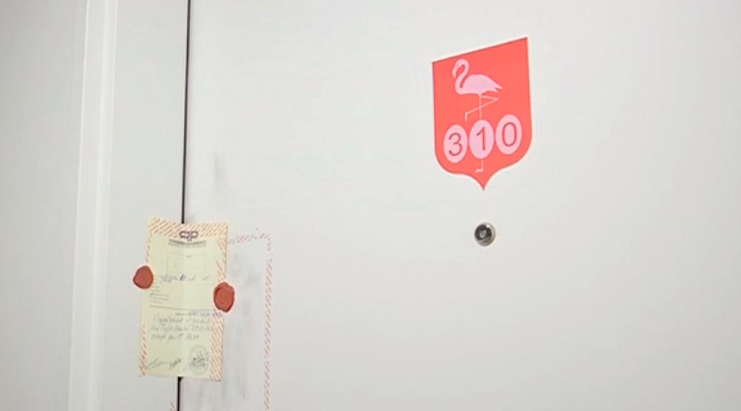 Scellés sur la porte de la chambre de Sid Ahmed Ghlam en résidence universitaire (capture écran BFM)